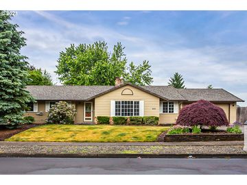 Undisclosed Address, Troutdale, OR, 97060,