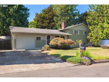 15566 SE MADISON, Portland, OR, 97233,