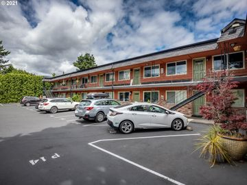 2155 NE WEIDLER, Portland, OR, 97232,