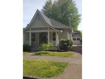 726 SE LEXINGTON, Portland, OR, 97202,