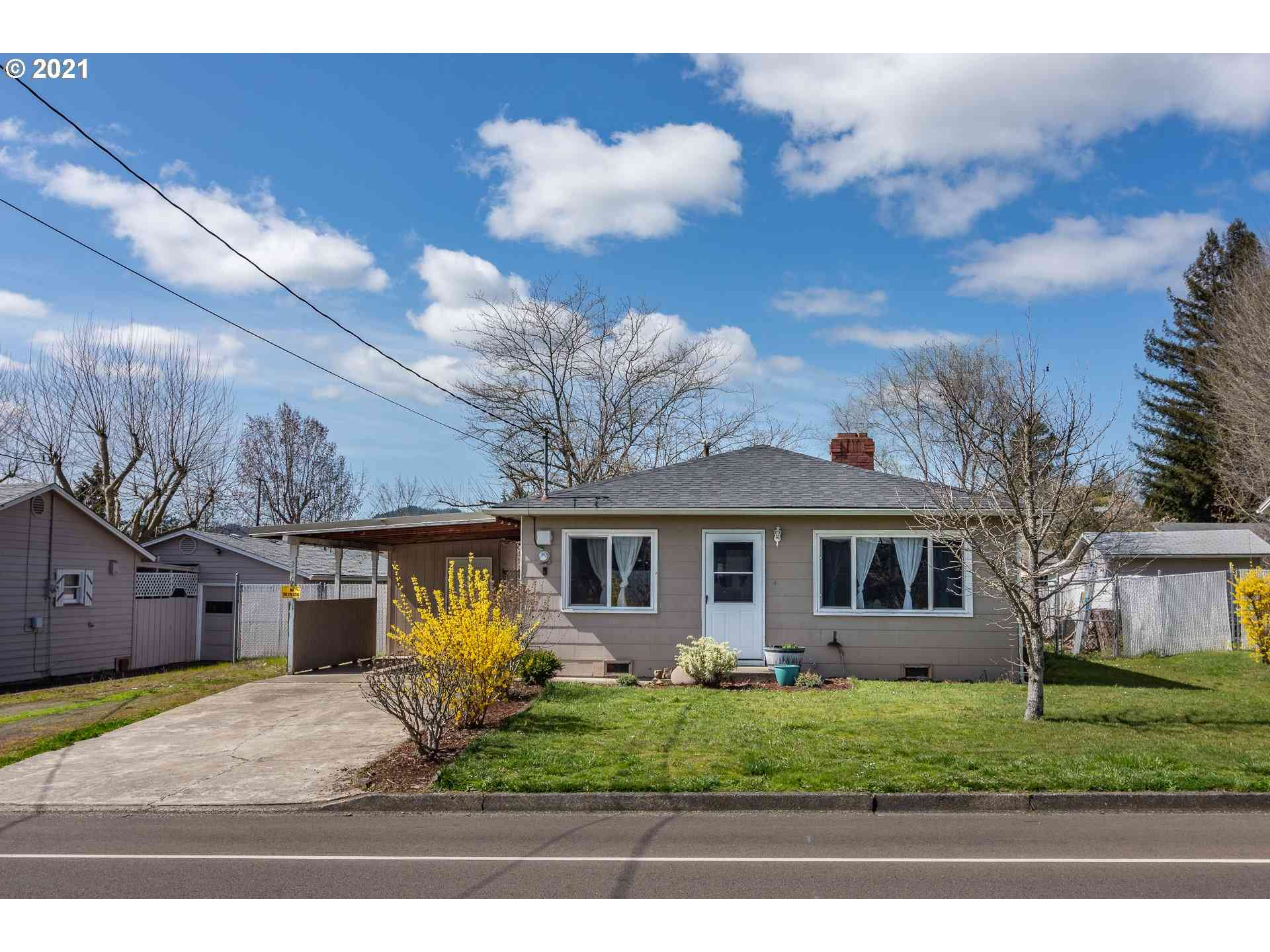 240 NW CARY, Winston, OR, 97496,