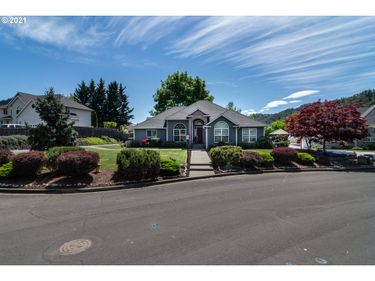 170 CHRISTOPHER, Winchester, OR, 97495,