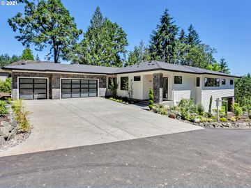 16743 SW Pacific Highway, Lake Oswego, OR, 97034,