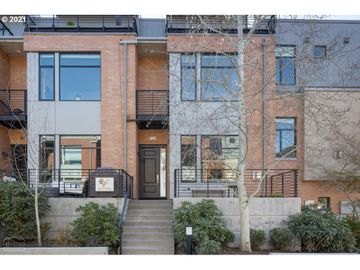 1690 NW RIVERSCAPE, Portland, OR, 97209,
