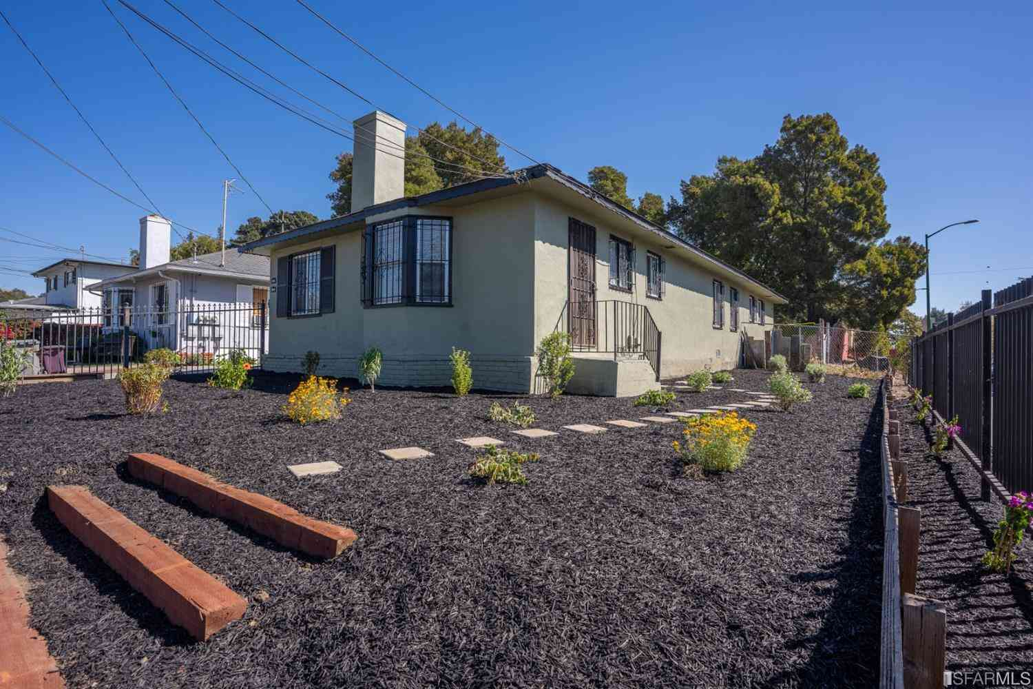 2216 83rd Ave, Oakland, CA, 94605,