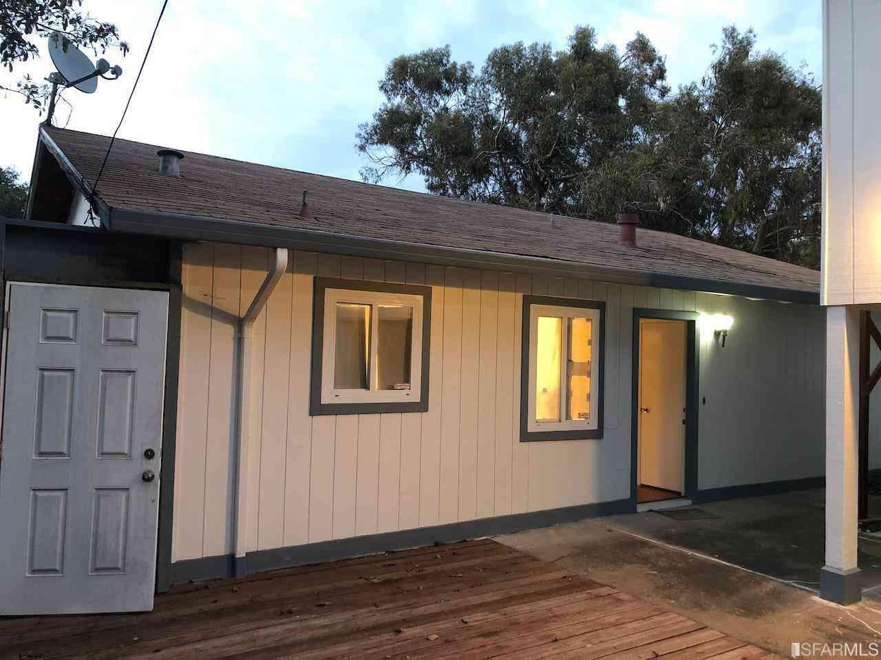 6230 Oakdale Avenue, Oakland, CA, 94605,