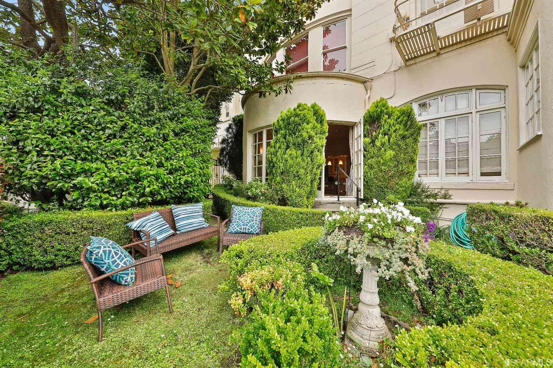 1925 Gough Street #11, San Francisco, CA, 94109,