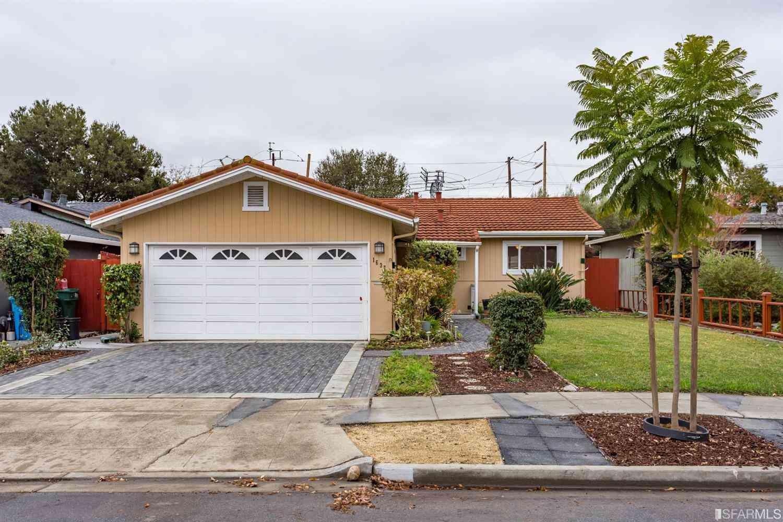 1637 Pecan Court, Redwood City, CA, 94061,