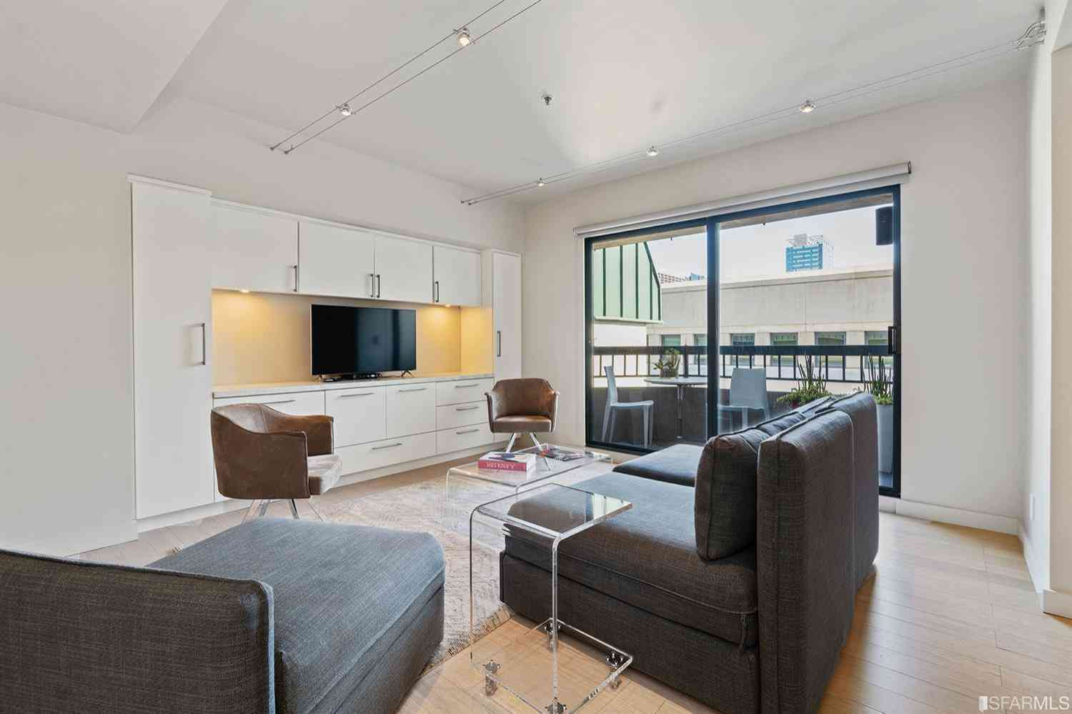 Sunny Living Room, 601 Van Ness Avenue #448, San Francisco, CA, 94102,