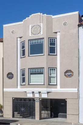 1746 Bay Street