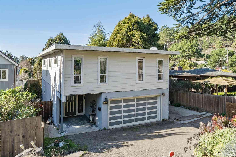 121 Dardenelle Avenue, Pacifica, CA, 94044,