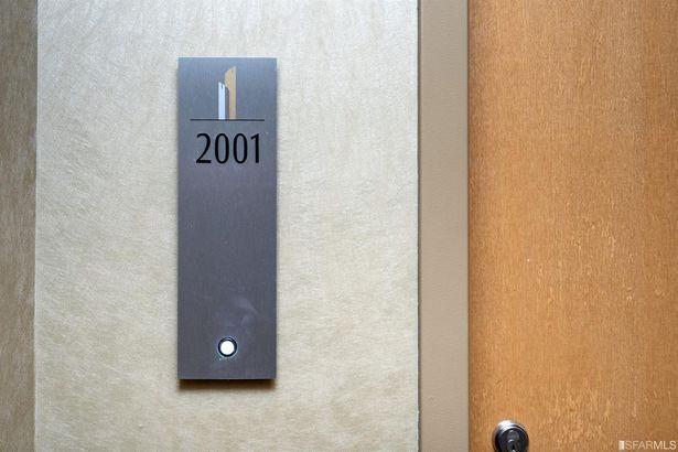 425 1st Street #2001