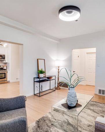 Sunny Living Room, 1 Hoffman Avenue #A San Francisco, CA, 94114
