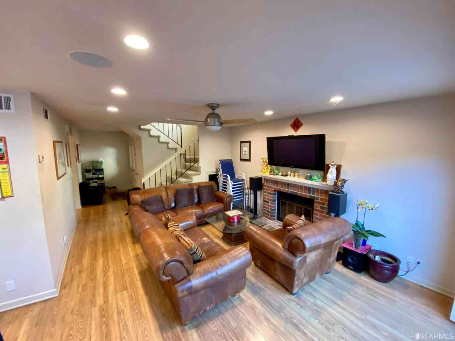 Sunny Living Room, 696 Erie Circle, Milpitas, CA, 95035,