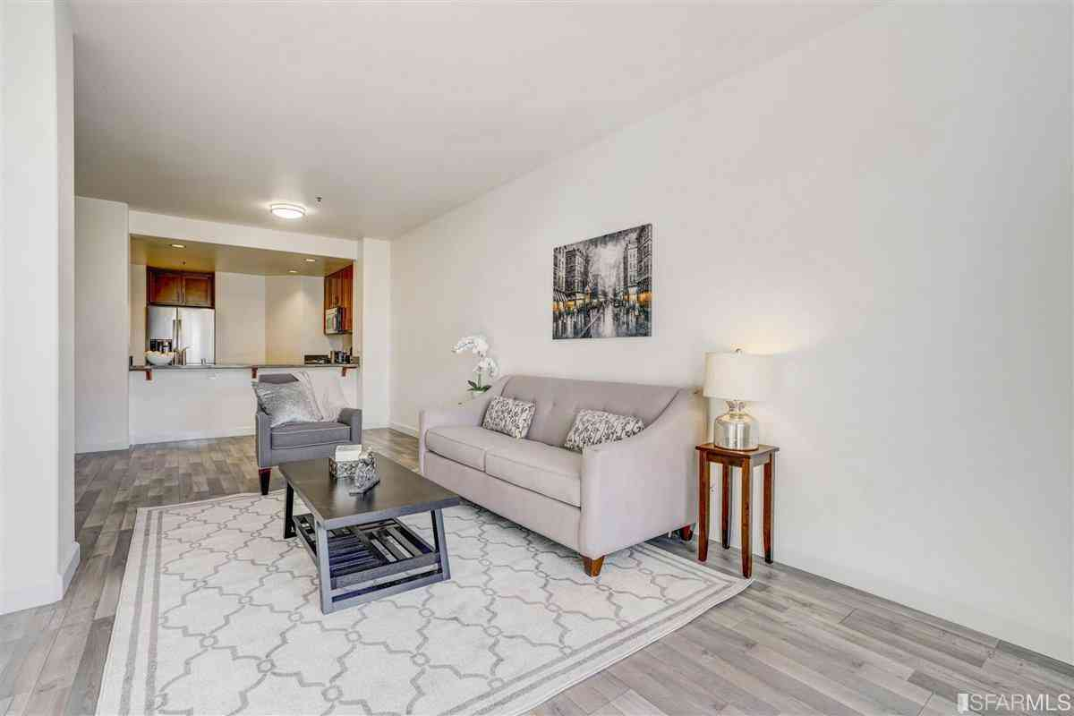 423 7th Street #103, Oakland, CA, 94607,
