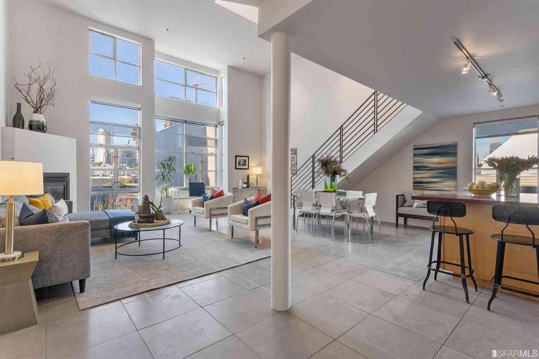 Sunny Living Room, 281 Clara Street #6, San Francisco, CA, 94105,