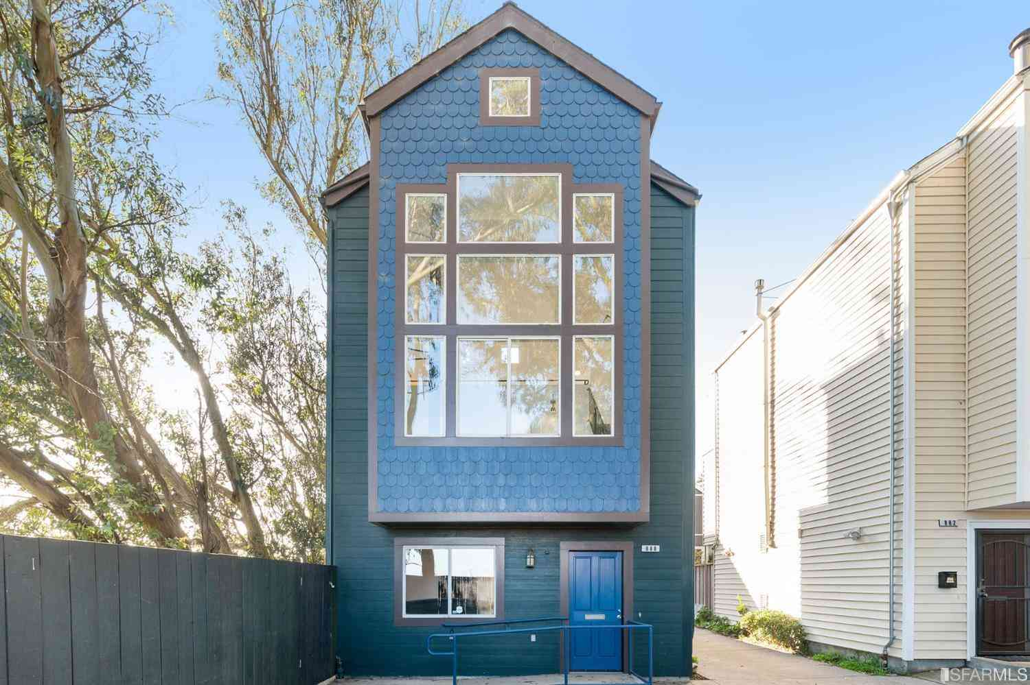 888 Moultrie Street, San Francisco, CA, 94110,