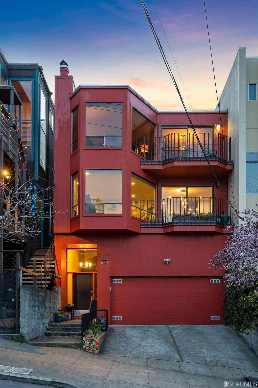 862 De Haro Street #A, San Francisco, CA, 94107,
