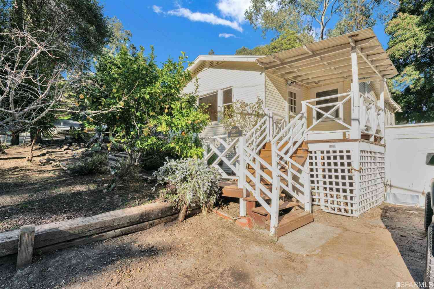 5892 Merriewood Drive, Oakland, CA, 94611,