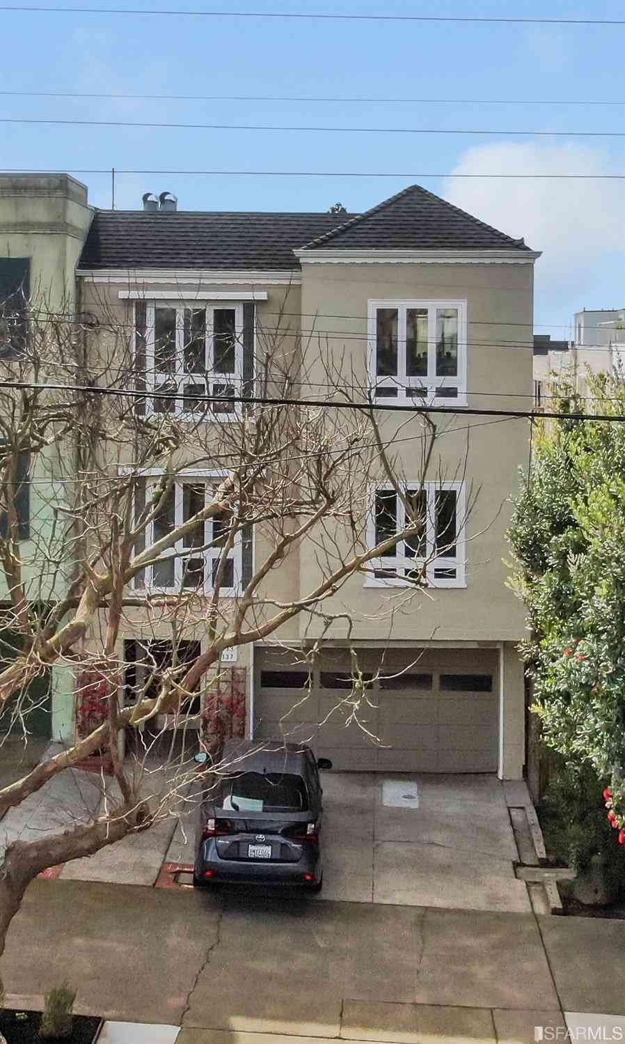 8137 Geary Boulevard, San Francisco, CA, 94121,