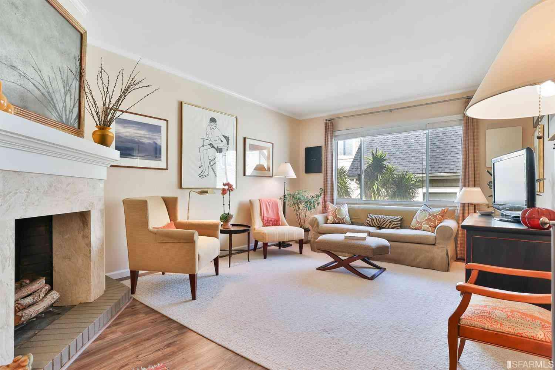 Sunny Living Room, 2101 Baker Street #12, San Francisco, CA, 94115,