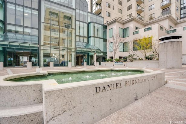 1 Daniel Burnham Court #309
