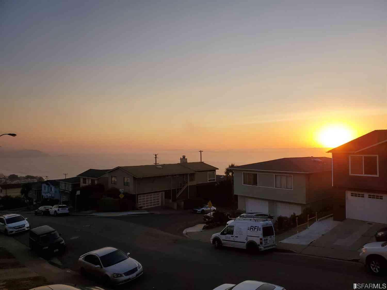 63 Longview Drive, Daly City, CA, 94015,