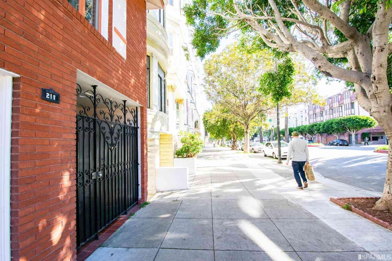 213 Dolores Street, San Francisco, CA, 94103,