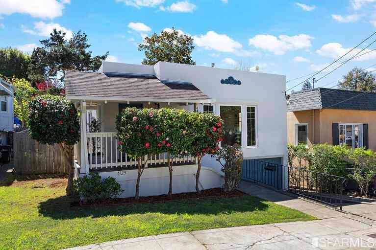 4525 Harbord Drive, Oakland, CA, 94618,