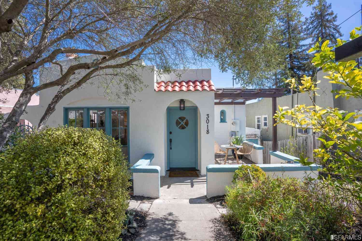 3018 Kingsland Avenue, Oakland, CA, 94619,