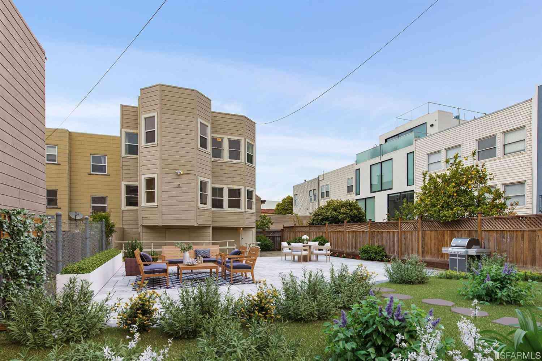 2227 Lombard Street, San Francisco, CA, 94123,