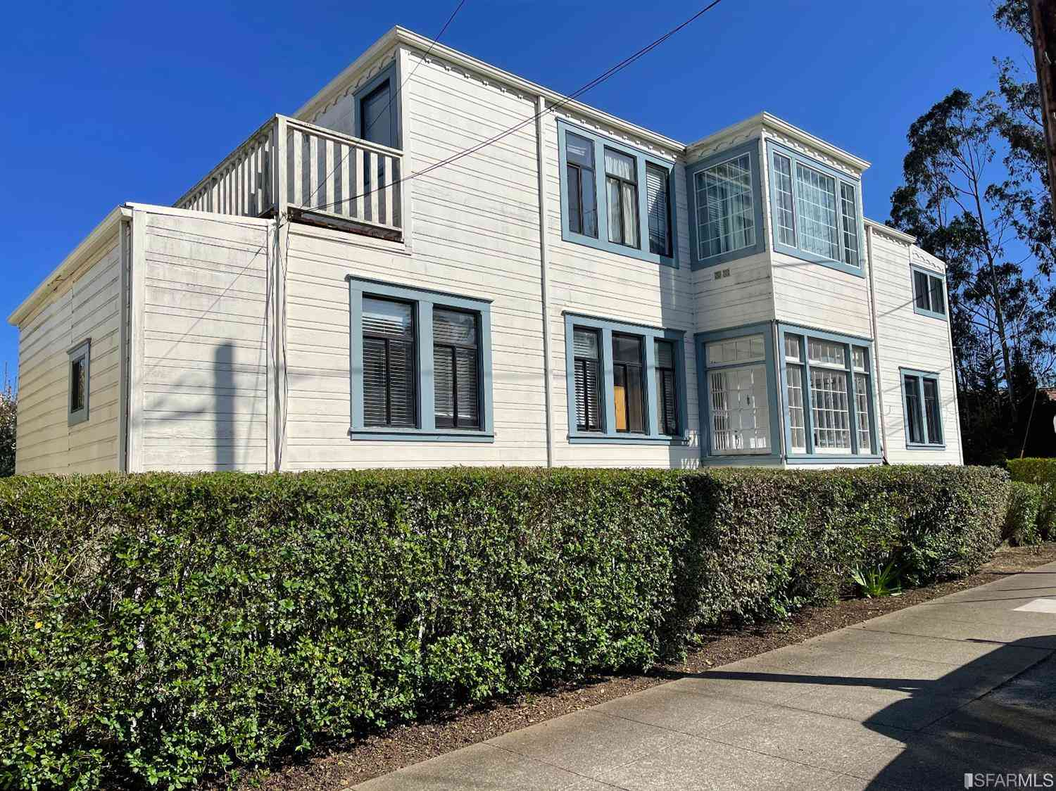 2696 17th Avenue, San Francisco, CA, 94116,