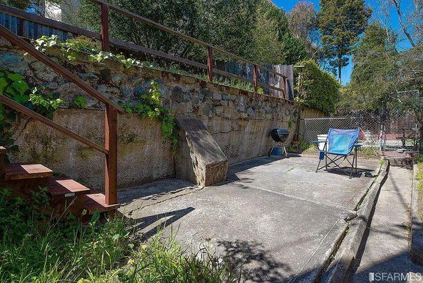 19 loyola Terrace