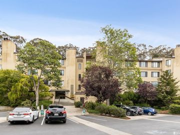 109 South lake merced Hills #2b, San Francisco, CA, 94132,