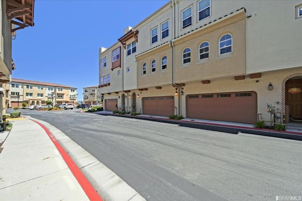 1027 Ocean View Avenue