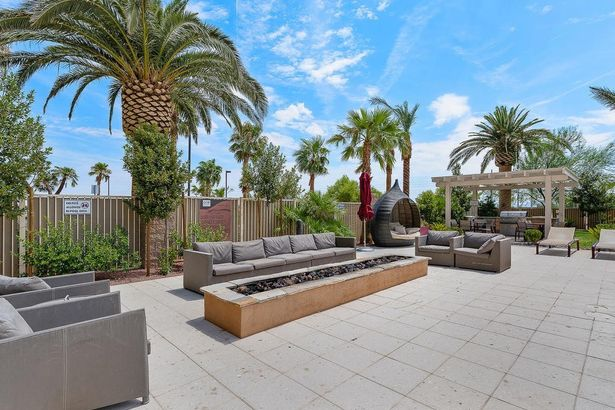 8255 Las Vegas Boulevard #2021