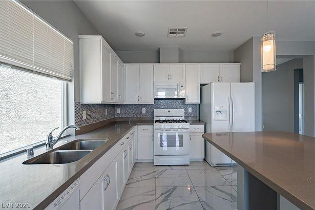 8103 Haywood Estate Avenue