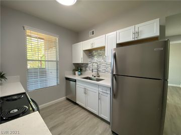 231 W Horizon Ridge Parkway #514, Henderson, NV, 89012,
