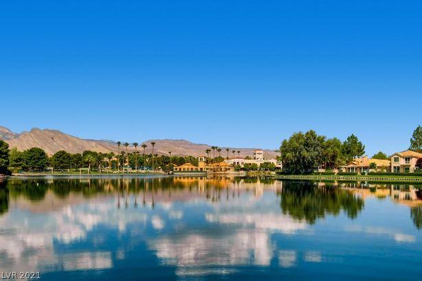 8125 Horizon Lake Drive