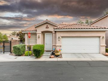 880 Clear Diamond Avenue, Las Vegas, NV, 89123,