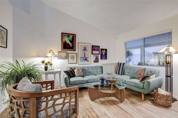 3923 Gramercy Avenue