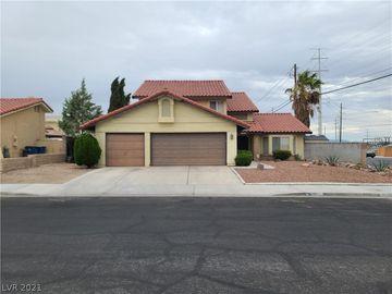 8600 Soneto Lane, Las Vegas, NV, 89117,