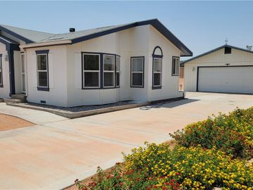 333 Tres Coyotes Street, Overton, NV, 89040,