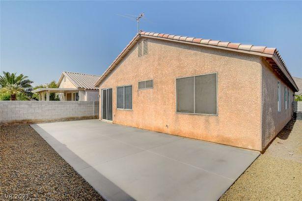 1337 Desert Solitude Street