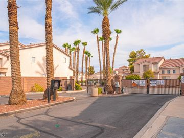 40 Belle Essence Avenue, Las Vegas, NV, 89123,