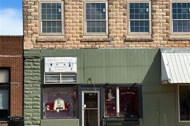 104 N Grand Street