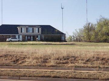 1328 E Hefner Road, Oklahoma City, OK, 73131,