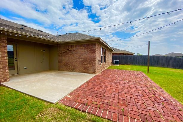2452 NW 190th Street