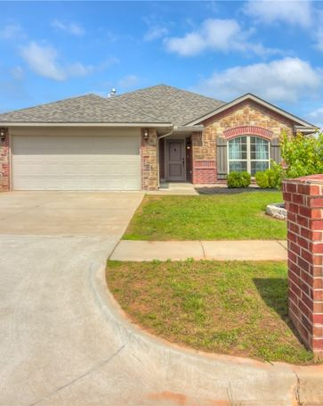 2346 Shell Drive Midwest City, OK, 73130