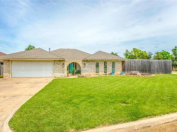 6828 N Comanche Avenue, Warr Acres, OK, 73132,